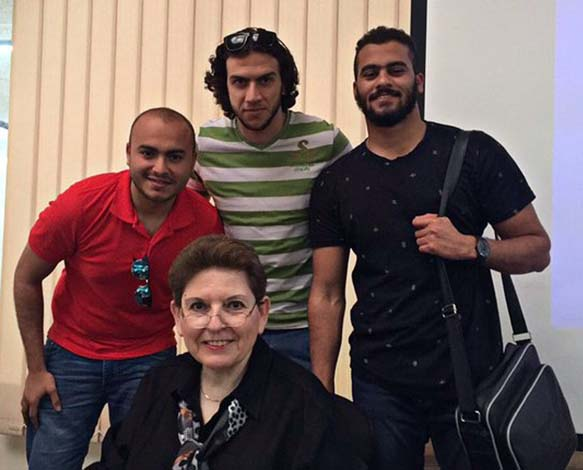 Abu-Fadil with Qatar University students